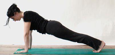 تمرینات یوگا در خانه